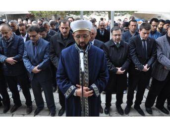 Savcı Kiraz Için Sivas'ta Gıyabi Cenaze Namazı...