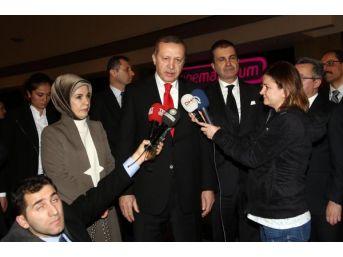 Erdoğan Çifti 'son Mektup' Filmini Izledi