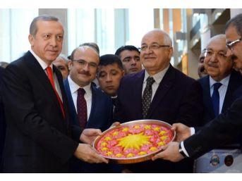 Erdoğan: Kriz Tellalları Istediği Kadar Bağırsın Yatırımlardan Rahatsız Olan Insanlardan Ben De Rahatsız Oluyorum
