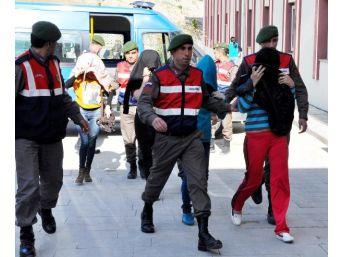 Fuhuş Operasyonunda Ikinci Kattan Atlayan Kırgız Kadının Ayağı Kırıldı