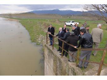 Vali, Su Taşkını Nedeniyle Zarar Gören Tarım Arazilerini Yerinde İnceledi