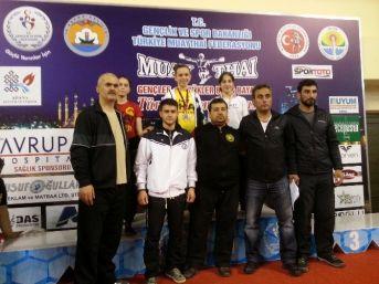 Adana'dan Madalyalarla Döndüler