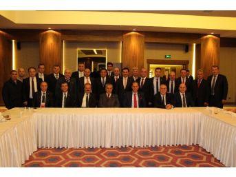 Arınç, Manisalı Oda Başkanlarıyla Yemekte Buluştu
