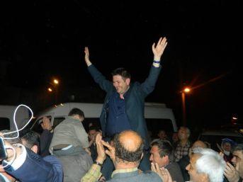 Milas'ta Bayram Havasında Seçim Kutlaması