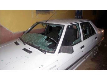 Ceylanpınar'da Bir Eve Tüfekle Ateş Açıldı, Otomobil Tahrip Edildi