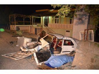 Alkollü Sürücü Cami Duvarına Çarptı: 1 Ölü, 3 Yaralı