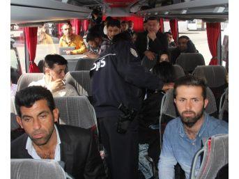 Sevgilisine Kızıp Evden Kaçan Genç Kız Adana'da Yakalandı