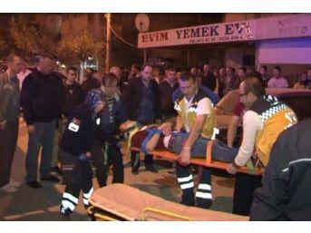 İtfaiye Ile Servis Aracı Çarpıştı: 4 Yaralı