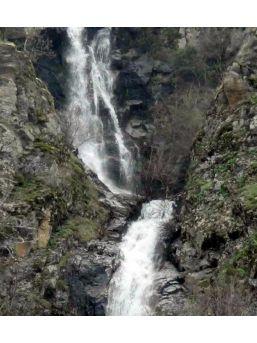Simav'ın Su Uçtu Şelalesi, Göz Kamaştırıyor