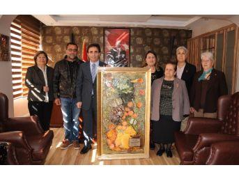 Sanatçılardan Kaymakam Taştan'a Teşekkür Ziyareti