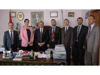 Türk Diyanet Vakıf-sen Genel Başkan Yardımcısı'ndan Saltukova Belediye Başkanı Güneş'e Ziyaret