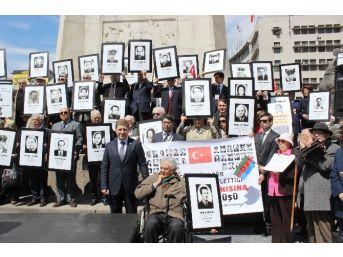 Diplomatlar Ermeni Terör Örgütlerinin Katlettiği Şehitler İçin Yürüdü