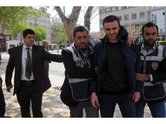 Gaziantep'Te Kpss Operasyonu Kapsamında Bir Öğretmen Gözaltına Alındı