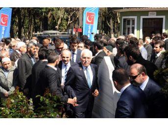 Kamalak Ve Destici, Erbakan'In Mezarını Ziyaret Etti
