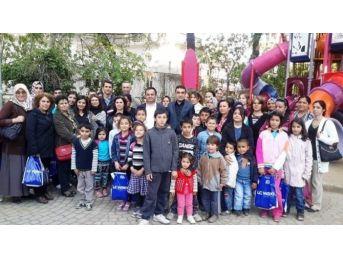 Ak Parti Ödemiş'ten Çocuklara 23 Nisan Hediyesi