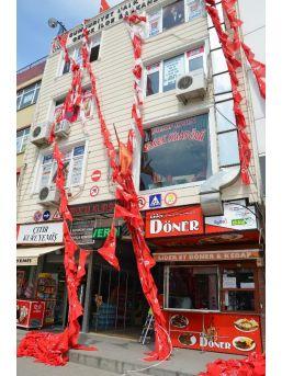 Gebze'de Chp Bayraklarının Ipleri Kesildi