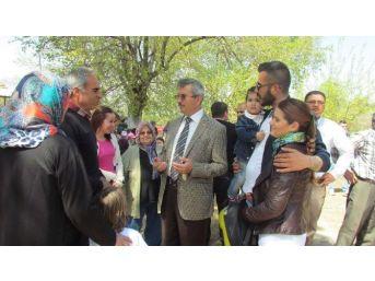 Mhp'li Balkız, Gölmarmara'da Vatandaşları Dinledi