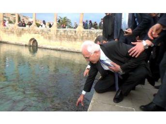 Kamalak'ın Eliyle Balık Tutma Çabası Korumaları Korkuttu