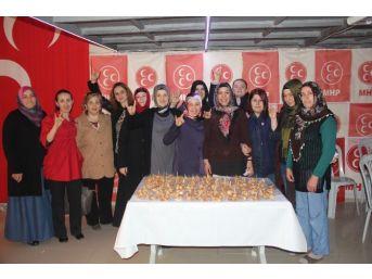 Mhp'li Kadınlar Lokma Dağıttı