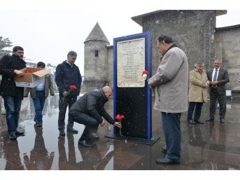 Ermeniler Tarafından Katledilen Belediye Heyeti'nin Anıtı Çalındı