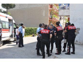 İzmir'de Otopark Kavgası Kanlı Bitti: 2 Ölü, 1 Yaralı
