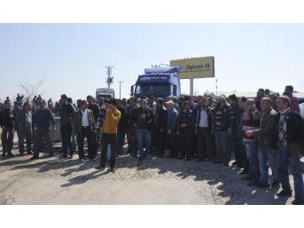 Gebze'de Kamyonculardan Motorin Zammı Protestosu...