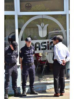 Manisa Polisinden Beş Dernekte Eş Zamanlı Arama