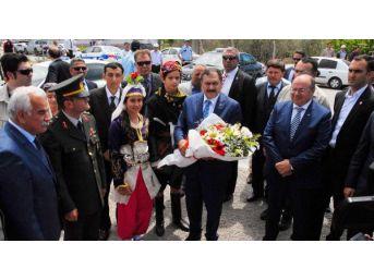 Eroğlu, Dalaman'da Partisinin Vekil Adayları Için Destek Istedi (2)
