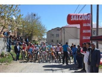 Tatvan'da Uluslararası Dağ Bisikleti Yarışması
