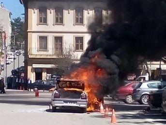 Kastamonu'da Tüplü Otomobil Alev Alev Yandı