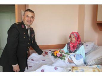 Ereğli'de Jandarma'dan Annelere Anlamlı Ziyaret