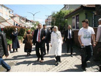 Saadet Partisi Milletvekili Adayları Çaydeğirmenli Pazarcılardan Destek İstedi