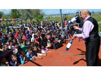 Bitlis'te Çocuklarla Buluşma Şenliği Düzenlendi