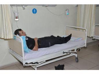 Polisleri Taşıyan Midibüs Devrildi: 17 Polis Hafif Yaralandı