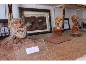 Ahi Evran'ın Minyatür Heykelini 6 Ayda Yaptı
