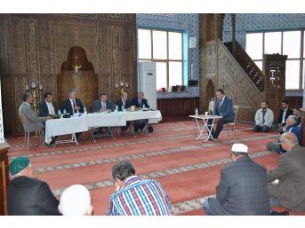 Din Görevlileri Ezan Okuma Ve Kur'an Okuma Yarışması Yaptı