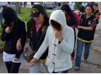 Villada 'eş Değiştirme' Partisine 55 Gözaltı
