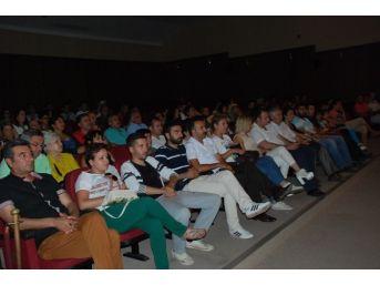 Didim'de Engelliler Yararına Düzenlenen Oyun İlgi Görmedi