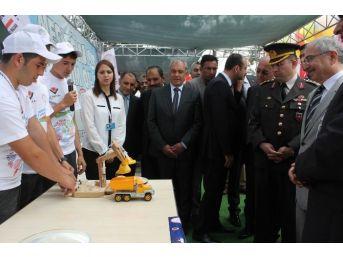 Manyas'ta Bilim Fuarı Açıldı