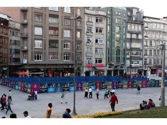 Taksim Meydanı'nda Çevre Düzenlemesi Hazırlıkları