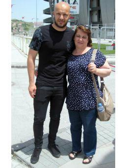 Kayseri'de 2 Maçta İzmirli  Bir Anne Sevindi Diğeri Üzüldü