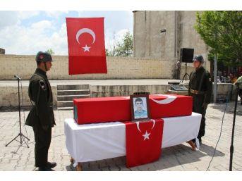 Siirt'te İntihar Eden Jandarma Er Adnan Gündüz Toprağa Verildi