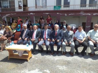 Kemerhisar'da Halk Eğitim Sergisi