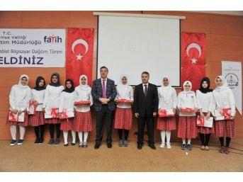 Fatih Projesi Kapsamında Osmaniye'de Tablet Dağıtımı Yapıldı