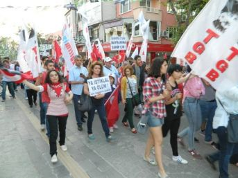 Sakarya'da 19 Mayıs Yürüyüşü Gerçekleşti