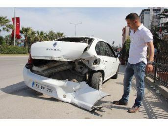 Otomobil Geri Geri Gelen Araca Çarptı: 1 Yaralı