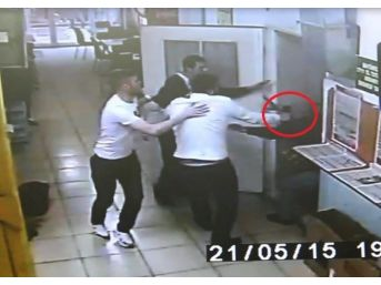 Silahını Çekerek Baba Ve Oğlunu Darp Eden Şahıs Tutuklandı