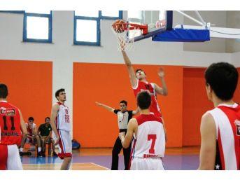 Gençler Basketbol Çeyrek Finali Sona Erdi