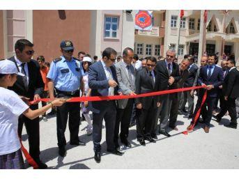 Erciş'te Bilim Fuarı Ve Kütüphane Açıldı