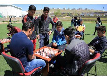 Van, Hakkari Ve Bitlis'te 19 Mayıs Coşkusu(2)